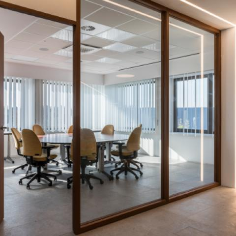 Vertical slats office